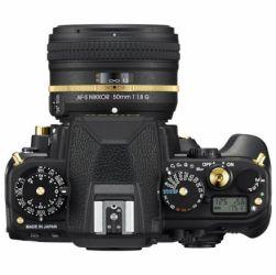 Lente Nikon DF Black Gold Edition corpo
